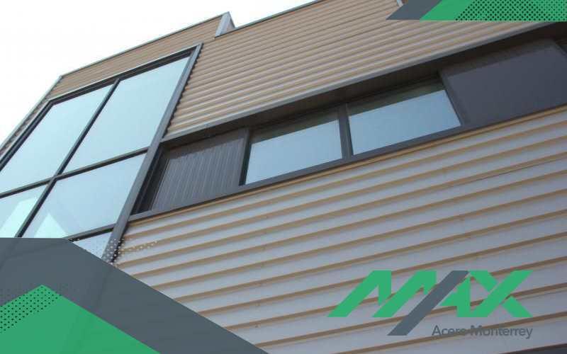 El acabado Pintro se encarga de que la lámina de acero quede más protegida ante los elementos ambientales que suelen envejecer al acero, acelerando su ciclo de oxidación natural
